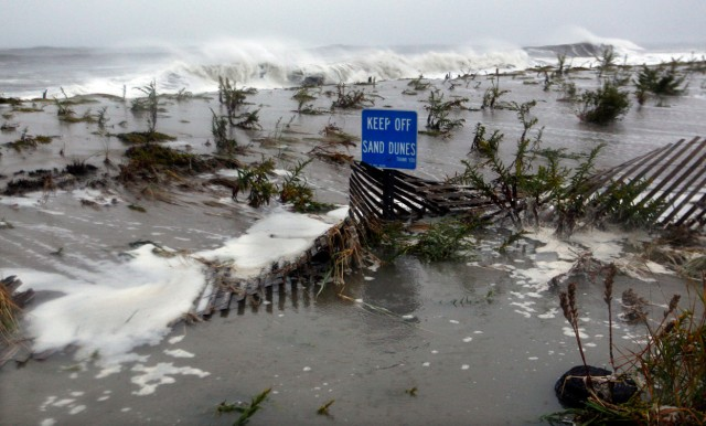 AT&T And T-Mobile To Share Networks In NYC Following Hurricane Sandy